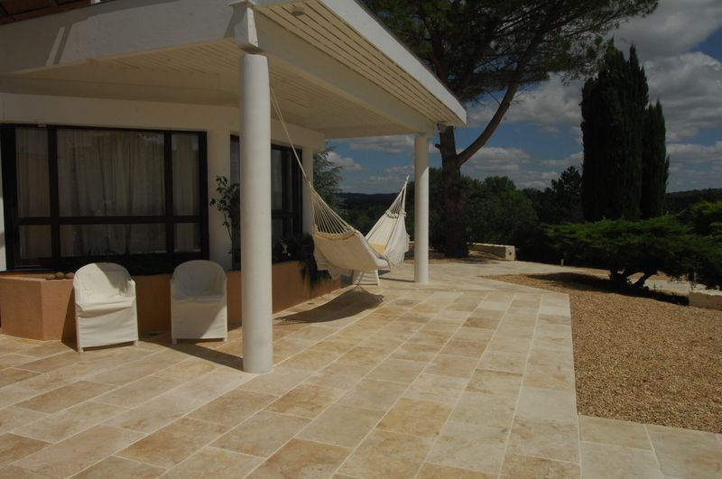 Travertin 40x60 1 2 cm carrelage en pierre naturelle for Dallage terrasse exterieure