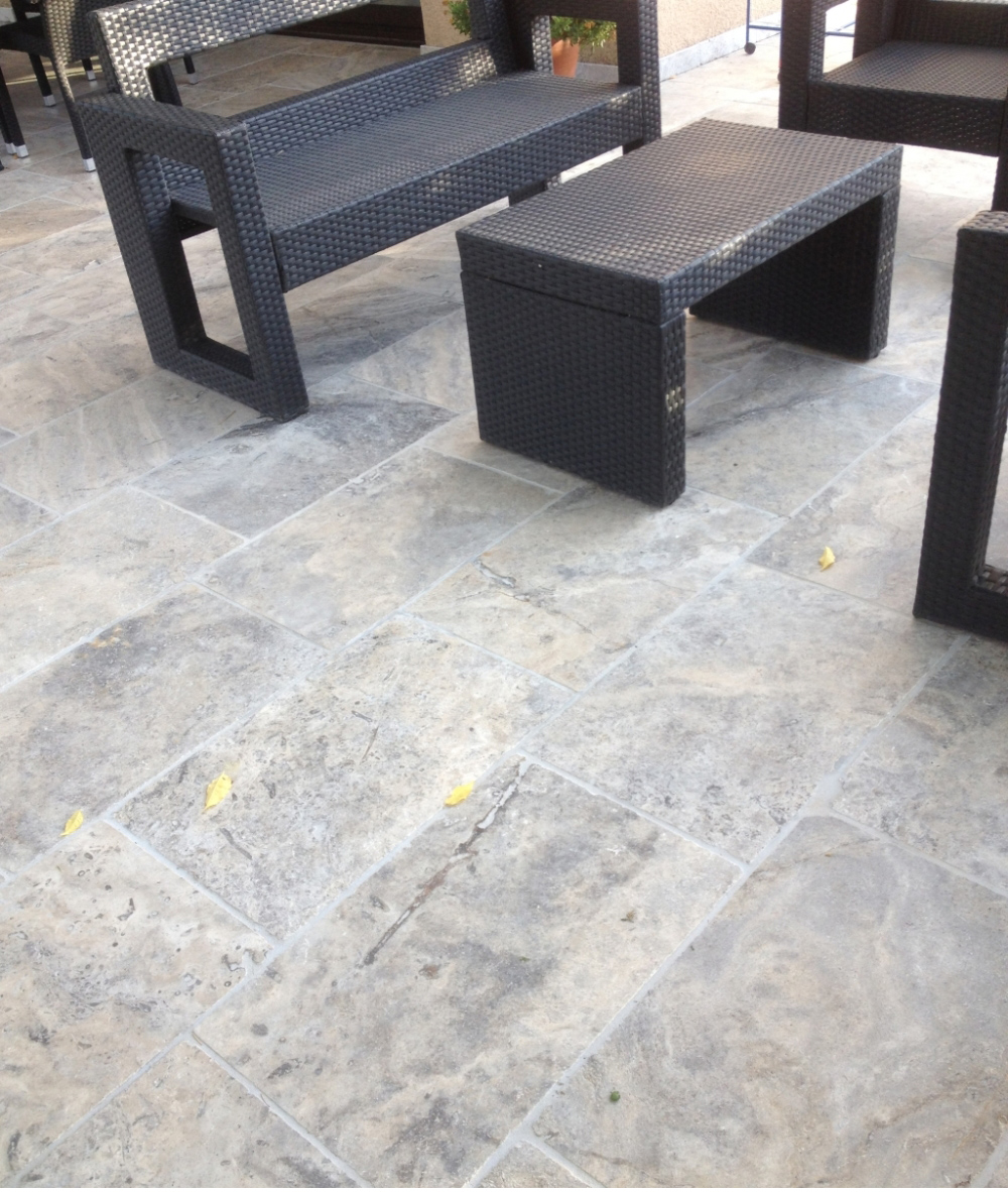 Carrelage travertin 40x60 gris silver premier choix en for Dallage terrasse exterieure