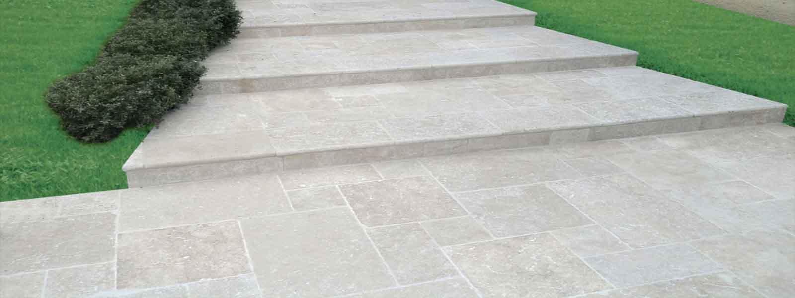 Carrelage ext rieur travertin en pierre naturelle pour for Dallage terrasse exterieure